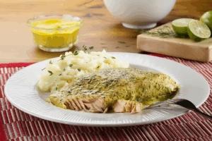 Filete de Salmón a la Mostaza con Limón y Eneldo