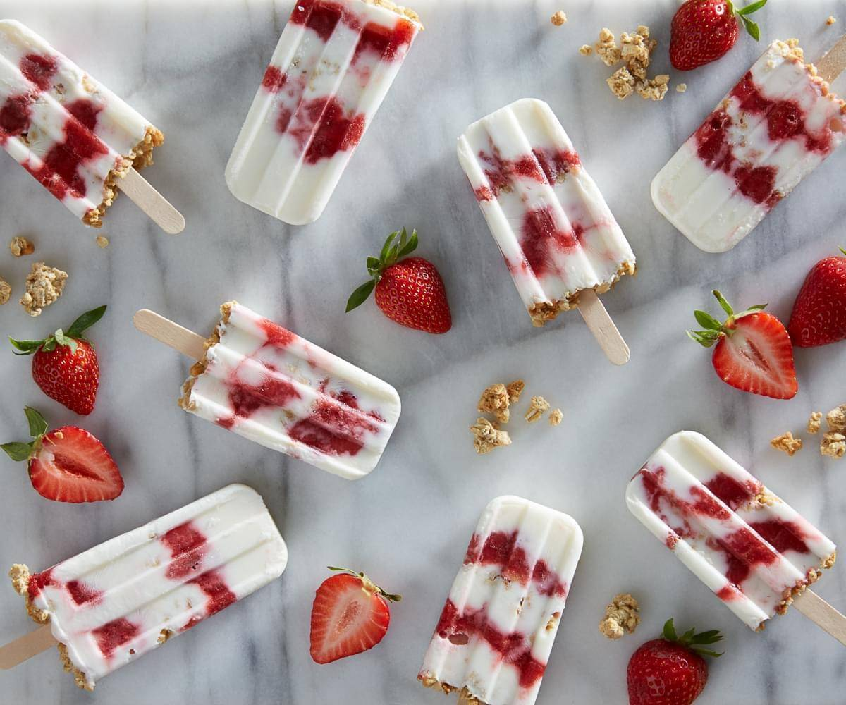 Fresh Strawberry Smoothie Breakfast Pops