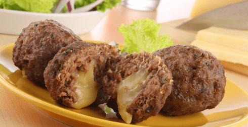 Bolas de carne y queso