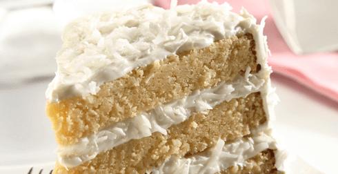 Pastel de coco en capas