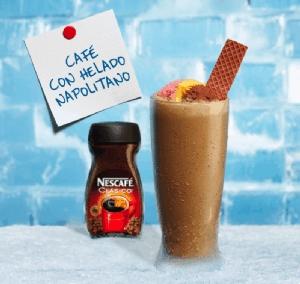 Café con helado napolitano