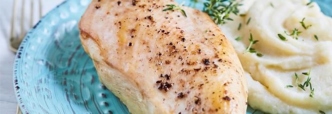 Pechugas con salsa de queso azul