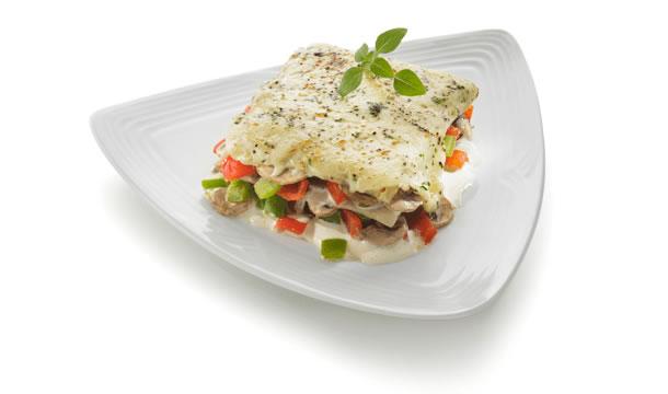 Lasaña de vegetales con salsa blanca