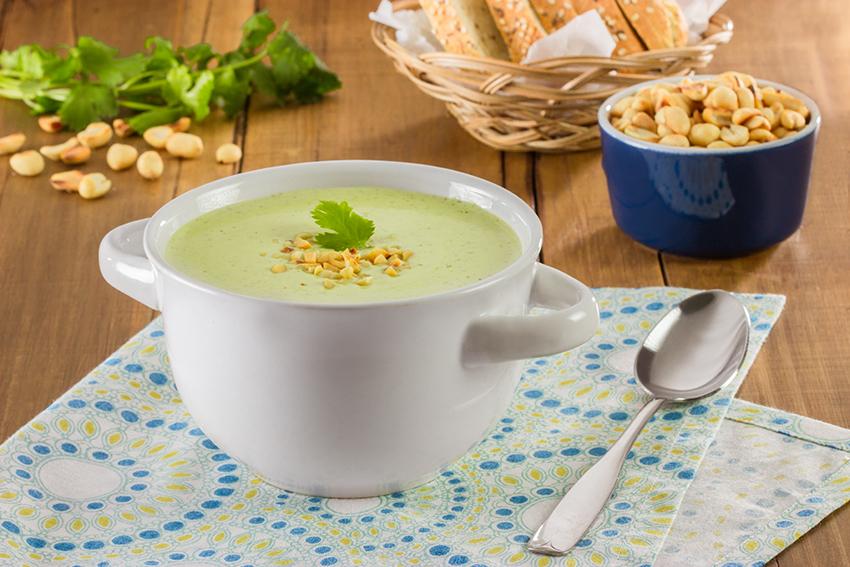Crema de cilantro y cacahuate