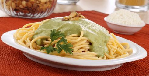 Pasta con salsa de pepitas