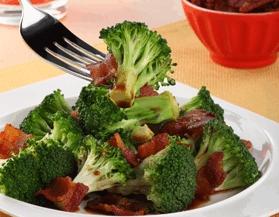 Brócoli picante con tocino