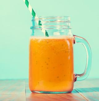 Bebida Refrescante de Papaya y Maracuyá