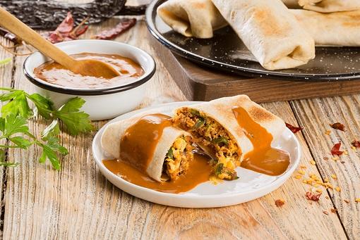 Burritos de chilorio con salsa de árbol y pasilla deslactosados