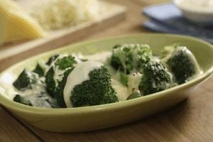 Brócoli en espejo de espinacas
