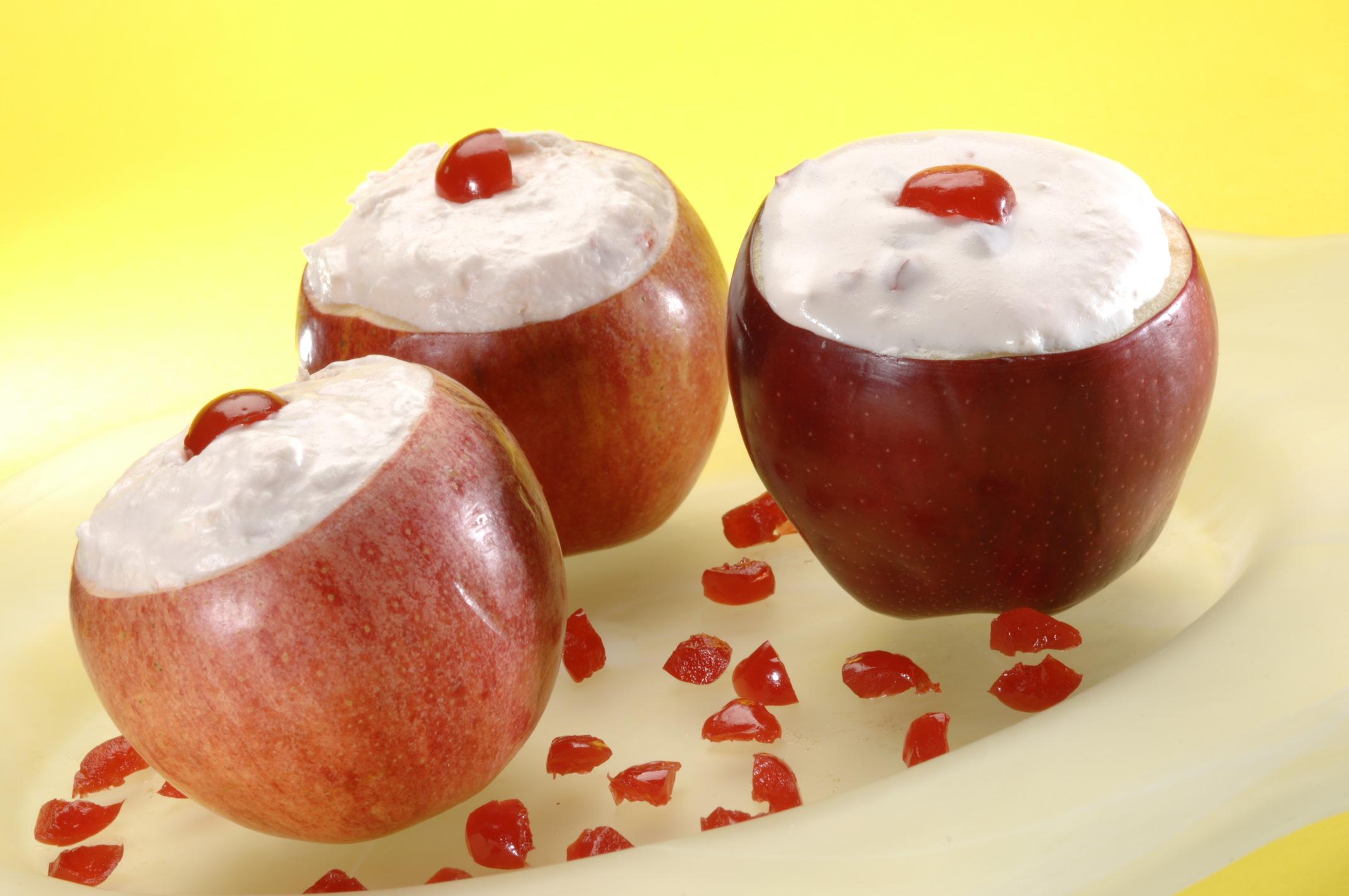 Manzanas de frutas y yogurt