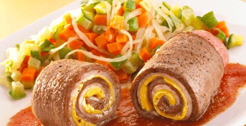 Rollitos de carne en salsa roja