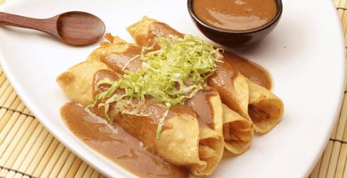 Tacos de Pollo en Salsa de Tamarindo