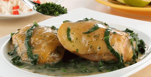 Pollo con espinacas y perejil
