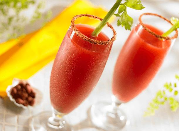 Cóctel de tomate con mango