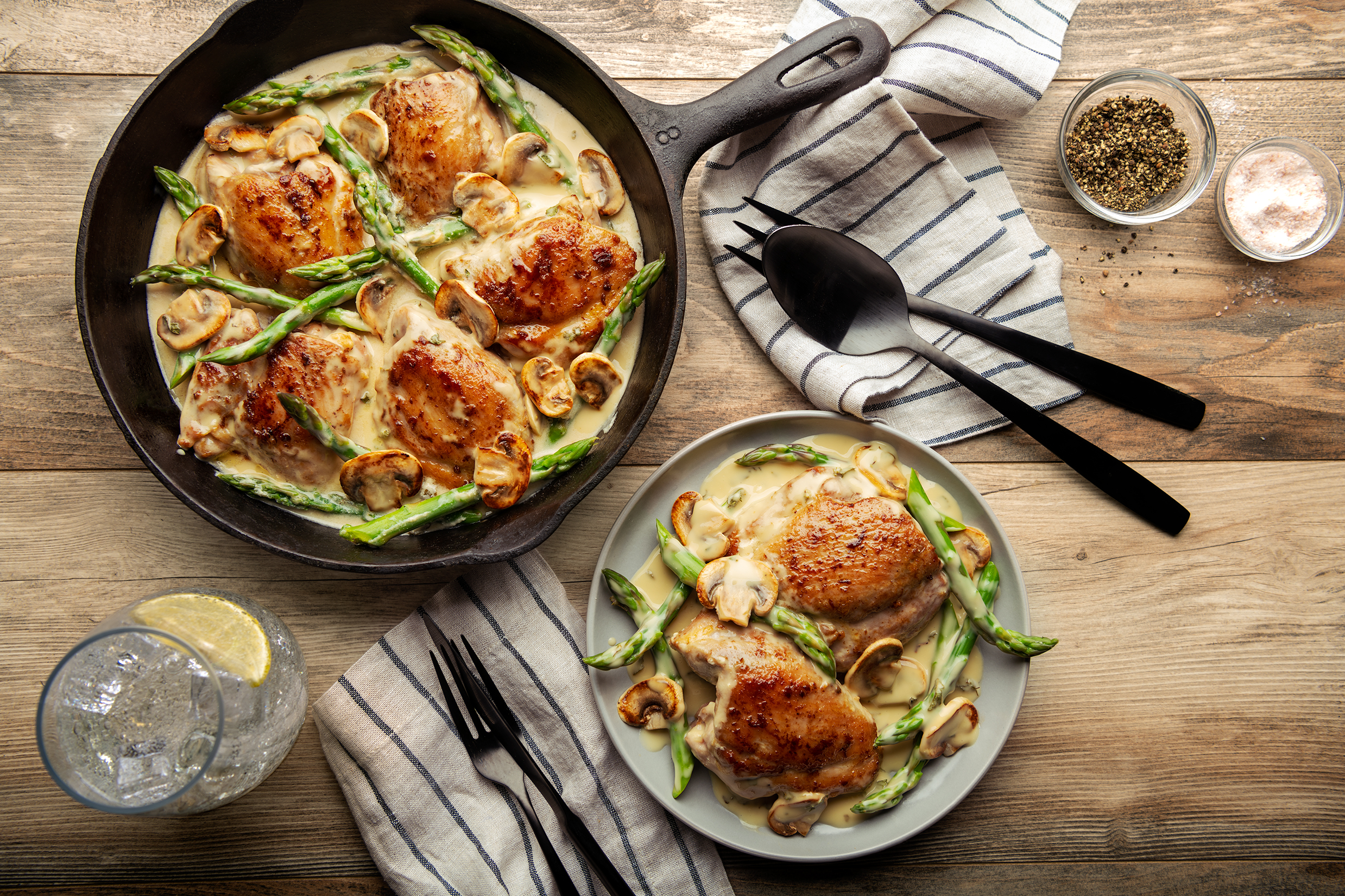 Creamy One Pan Chicken with Asparagus and Mushrooms
