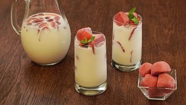Agua de horchata con fresa