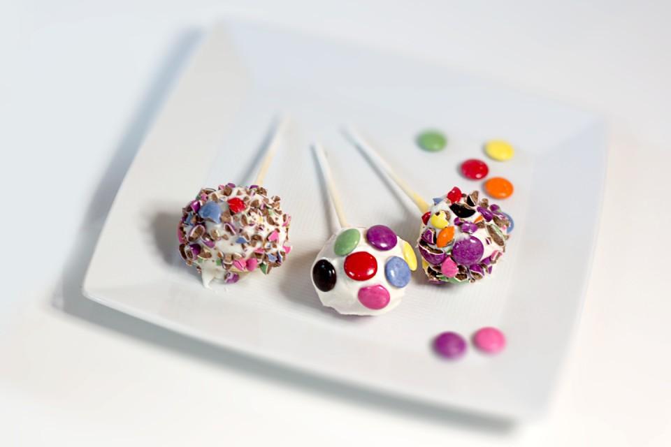 SMARTIES Cake Pops