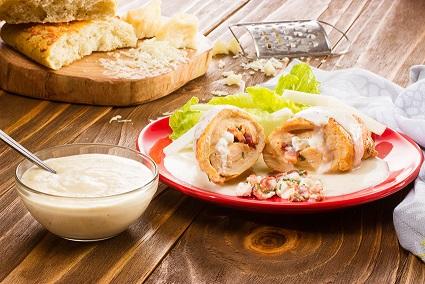 Pollo en salsa de manzana y tocino