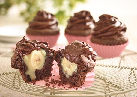 Cupcakes rellenos de plátano deslactosado