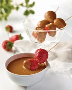brocheta fresa y dulce de leche