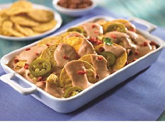 Nachos con salsa de chorizo