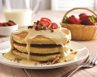 Hot cakes de frutos rojos