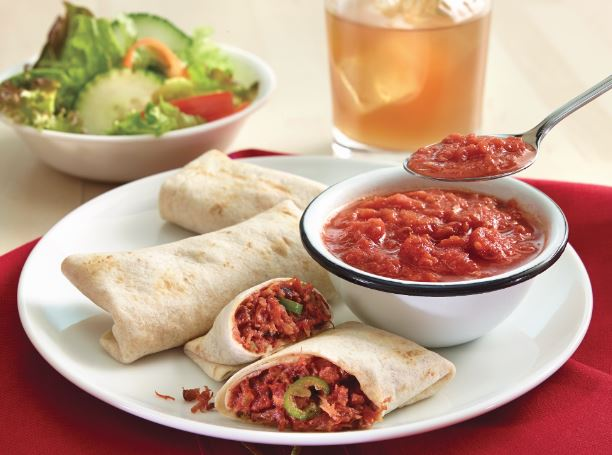 Burritos de machaca con salsa asada