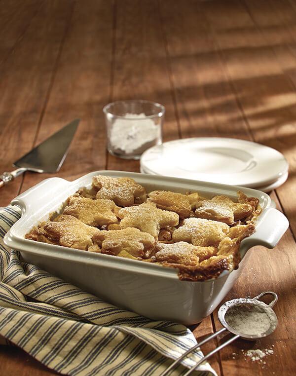 Molde de pan y manzanas