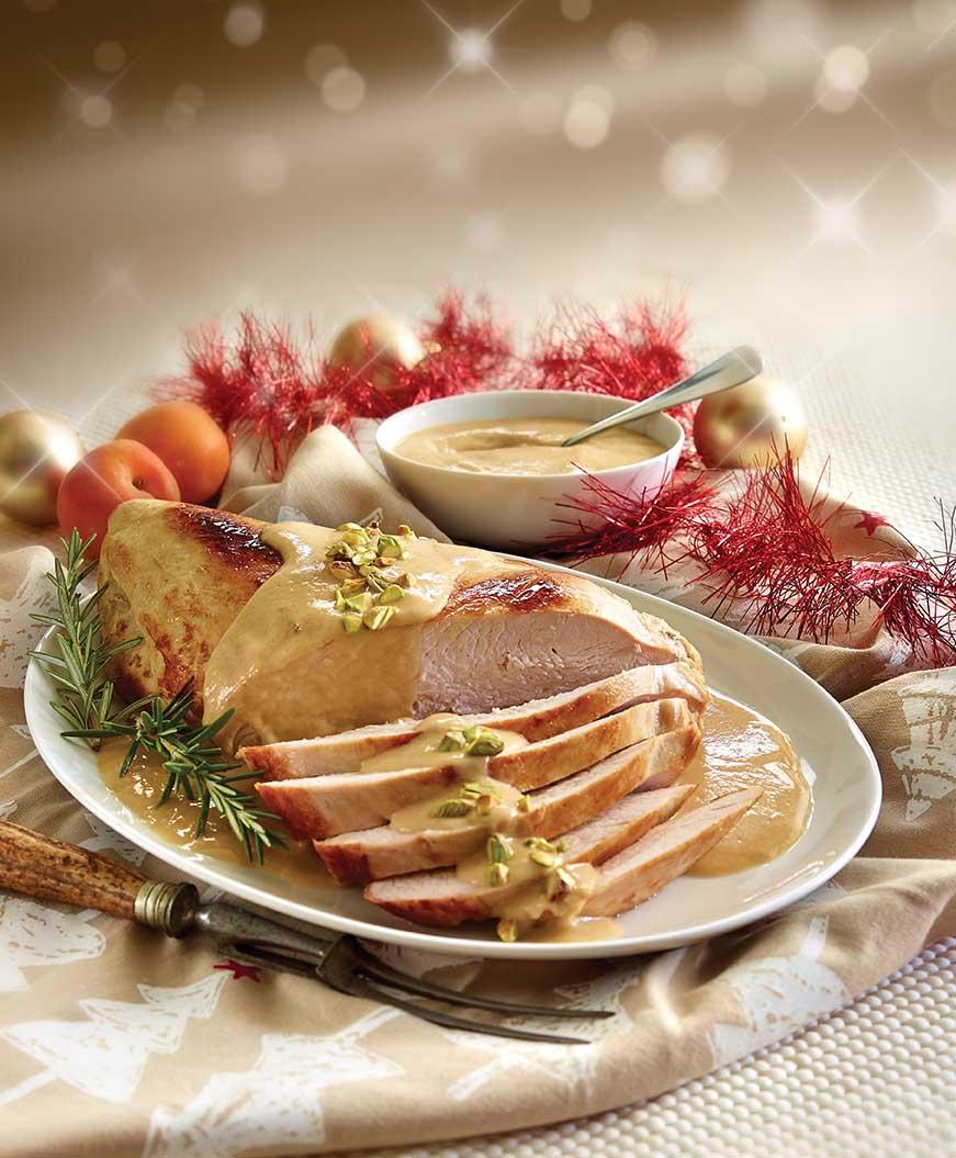 Pechuga de pavo con salsa de chabacano y pistache
