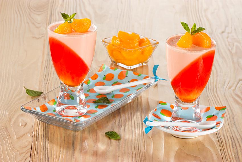 Copas de gelamousse de naranja