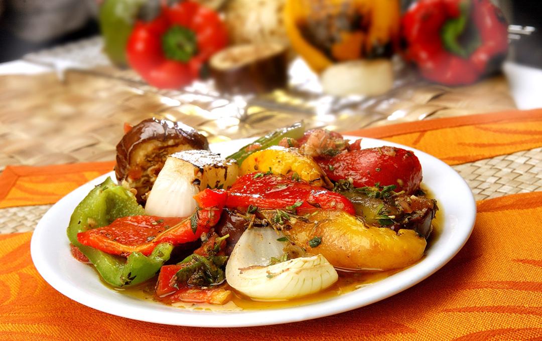 Mix de Vegetales Asados con Salsa Chimichurri