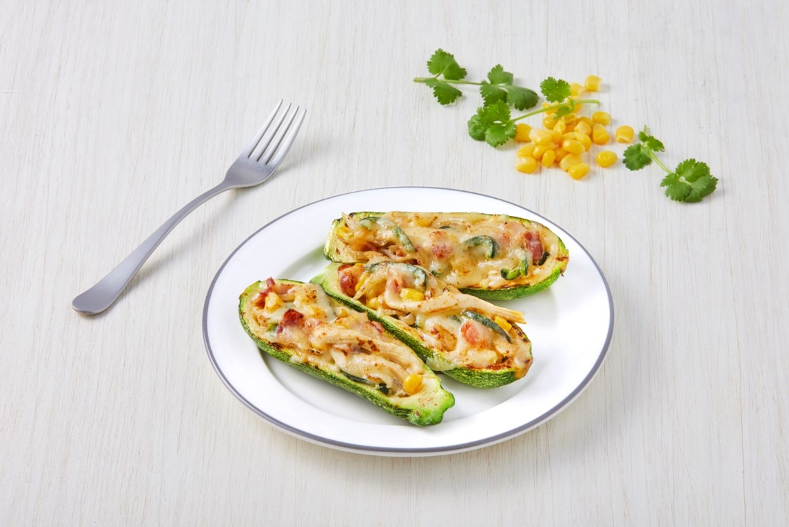 Zucchini stuffed with slices with cream