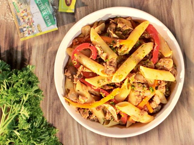Pasta con Vegetales Salteados y Atún