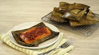 Tamales rojos con carne y chorizo
