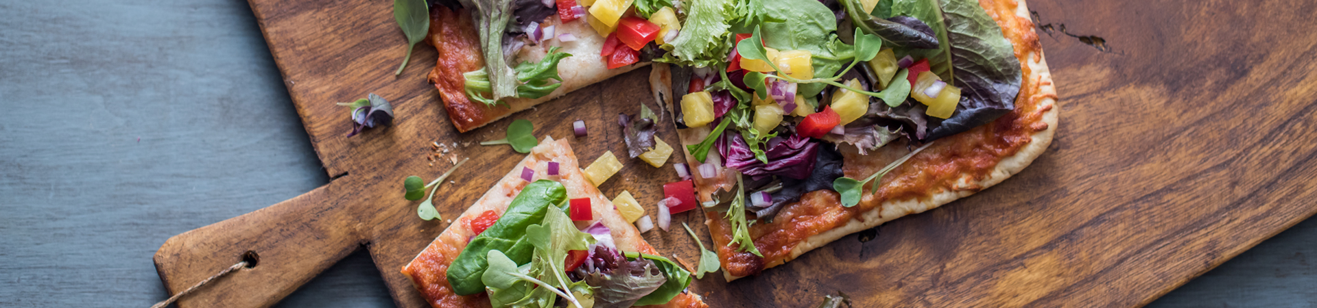 Grilled Pizza with Pineapple Salsa Salad