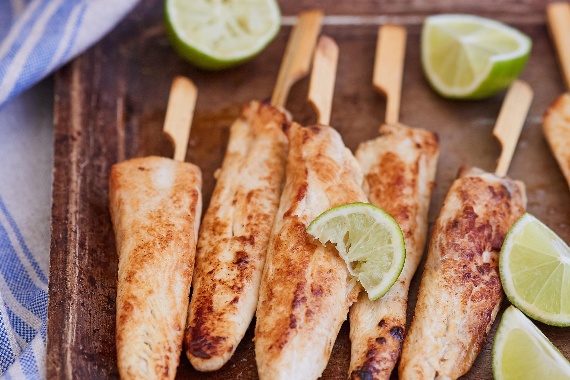 Pinchos de pollo al fondor