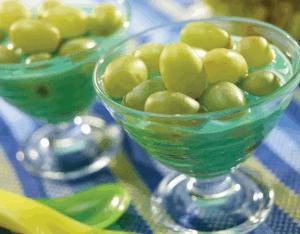 Gelatina de limón con uvas