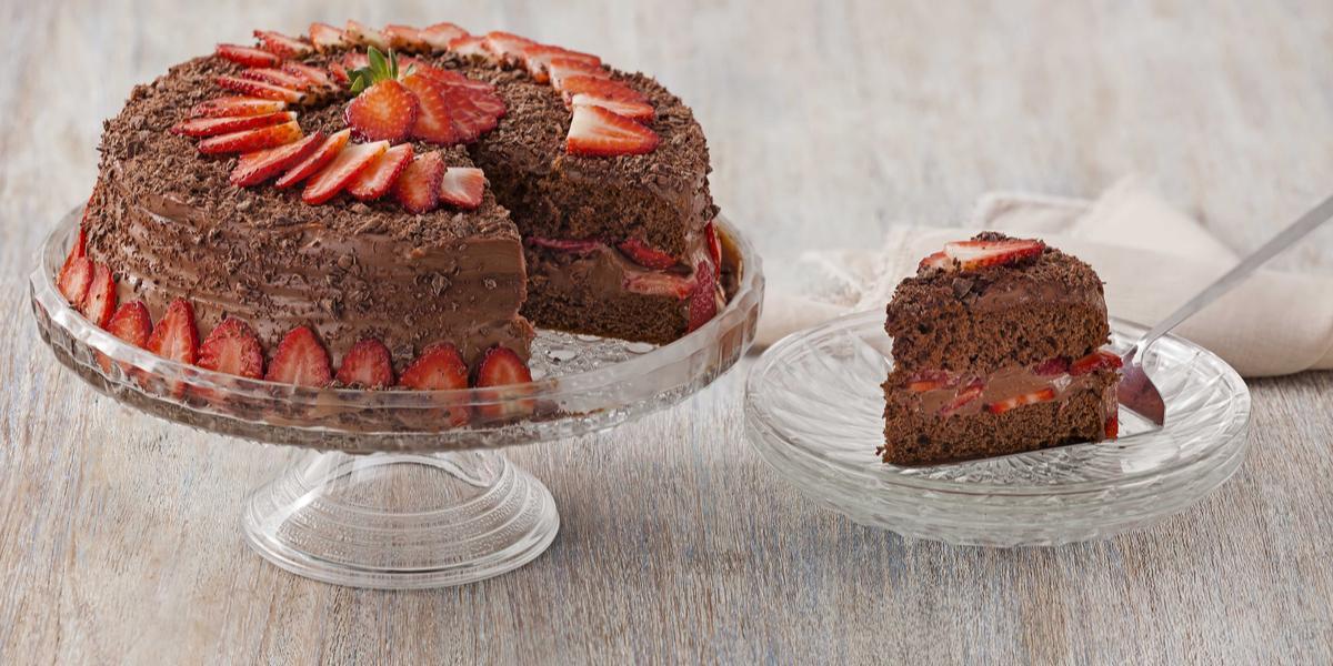 bolo-chocolate-morango-receitas-nestle