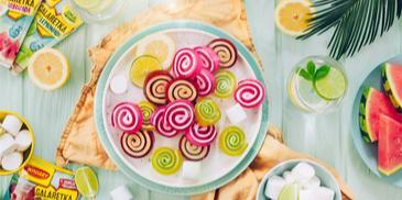 Kolorowe galaretkowe ślimaczki
