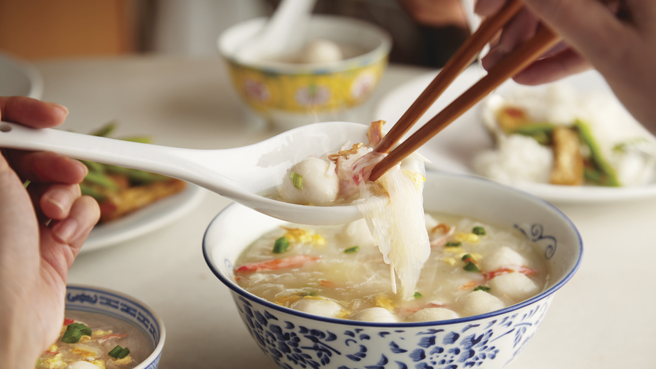 Sup Tang Hoon Dengan Isi Ketam, Telur Dan Bebola Ikan