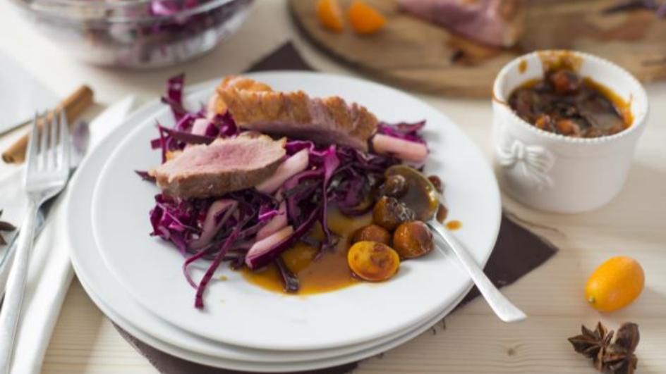 Entenbrust mit Rotkohl-Apfel-Salat