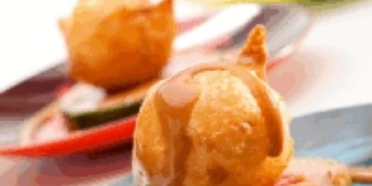 Buñuelos con Manjar de Leche