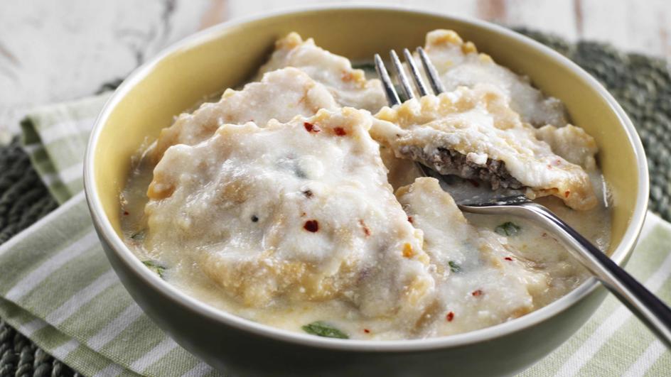 Meat Ravioli with Yogurt and Mint Sauce