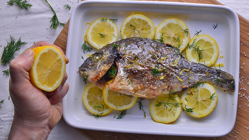 Ψάρι ψητό στην λαδόκολλα