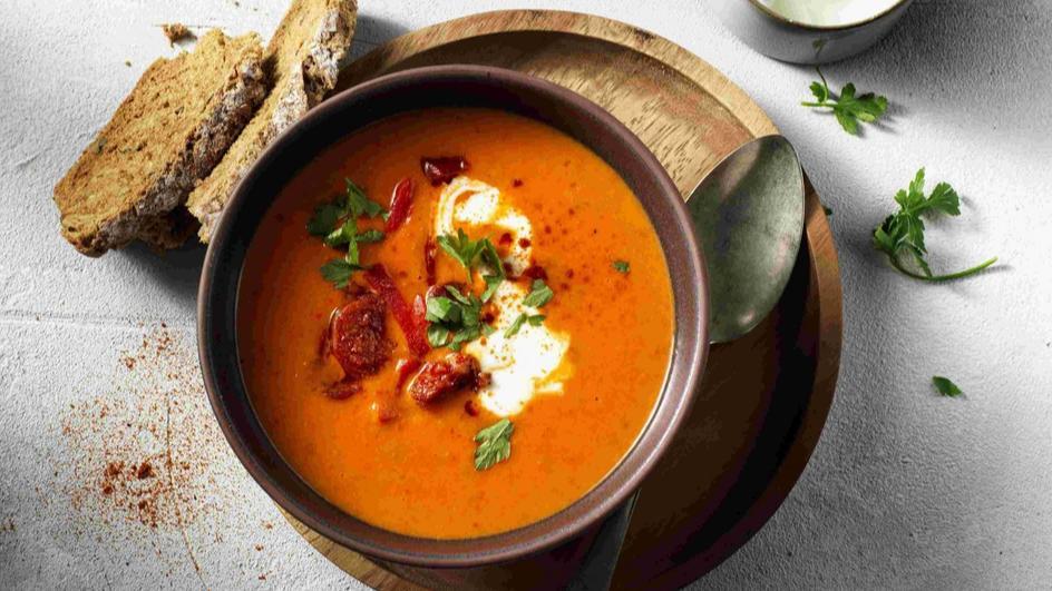 Tomaat-Paprika Soep met Chorizo