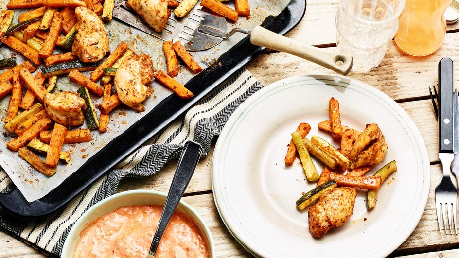 Hähnchenbrust mit Süßkartoffel- & Zucchinisticks