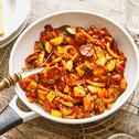 Bunte vegetarische Currywurstpfanne