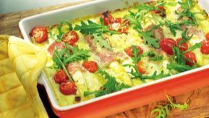 Spargel Röllchen mit Tomaten und Rucola