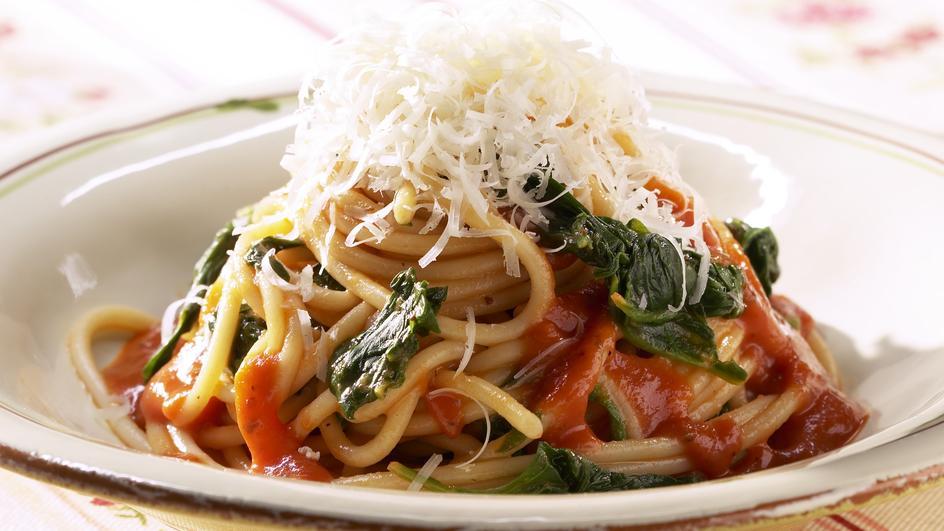 Spaghetti Napoli nach Florentiner Art