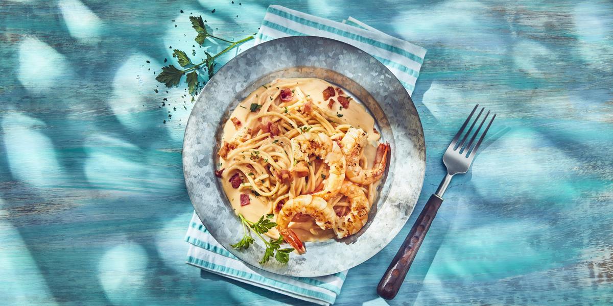 Espagueti de camarones en crema de chipotle
